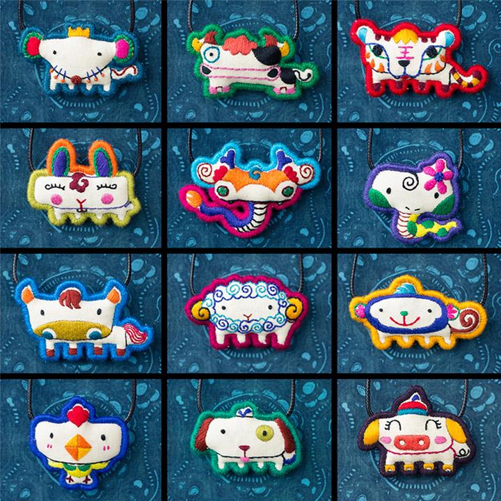 十二生肖项链 原创设计手工刺绣复古创意棉麻配饰民族 文艺锁骨链图片