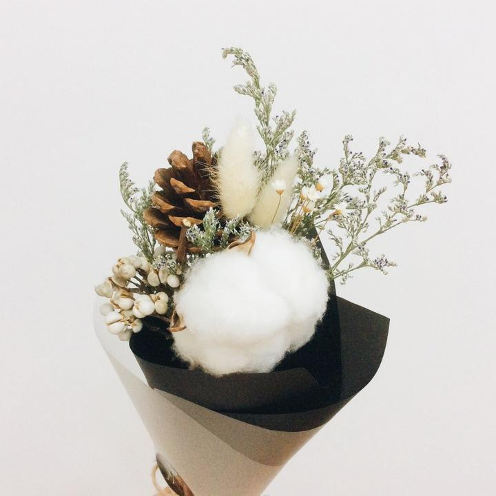 棉花松果兔尾草雪球花干花永生花花束