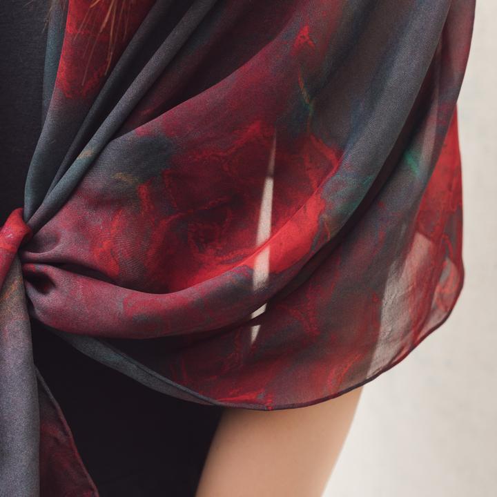 双成记|加西亚|系列红黑玫瑰纪念印花真丝雪纺长围巾