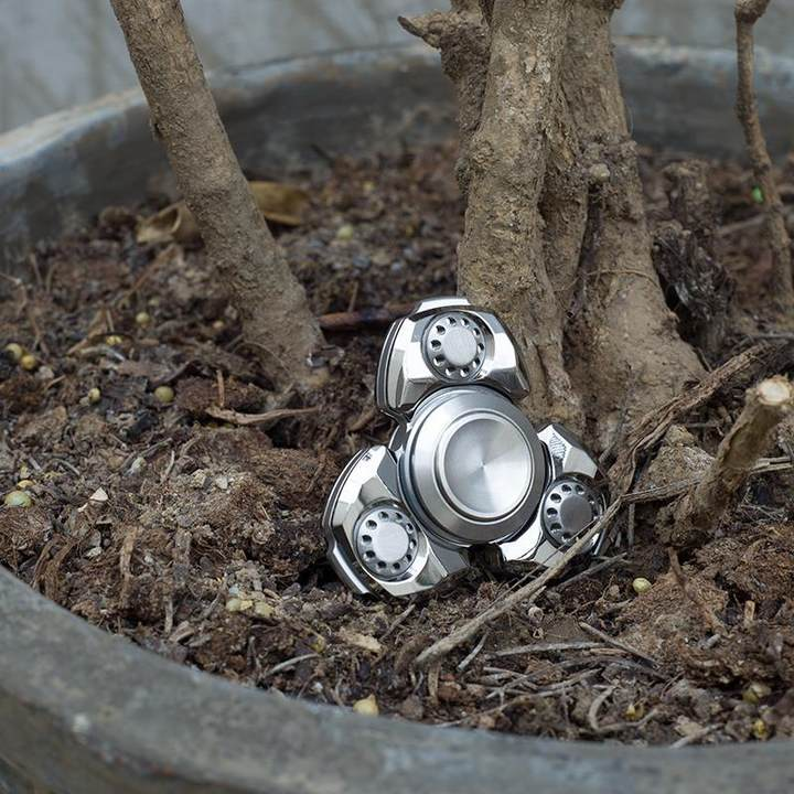TOYOEDC指尖陀螺陶瓷轴承金属时尚黄铜成人创意礼物设计玩具