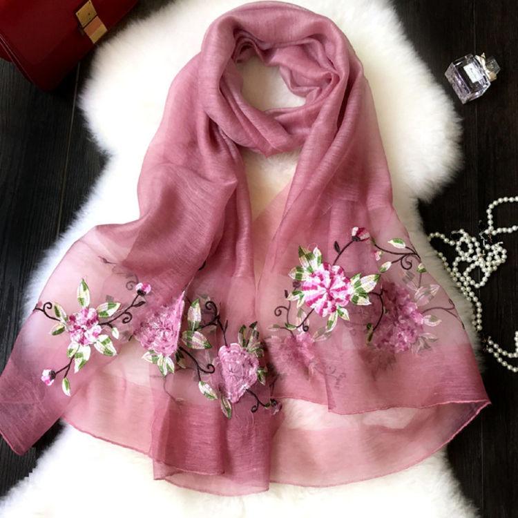 天然蚕丝送妈妈,天冷了,好看百搭女式围巾来一打!