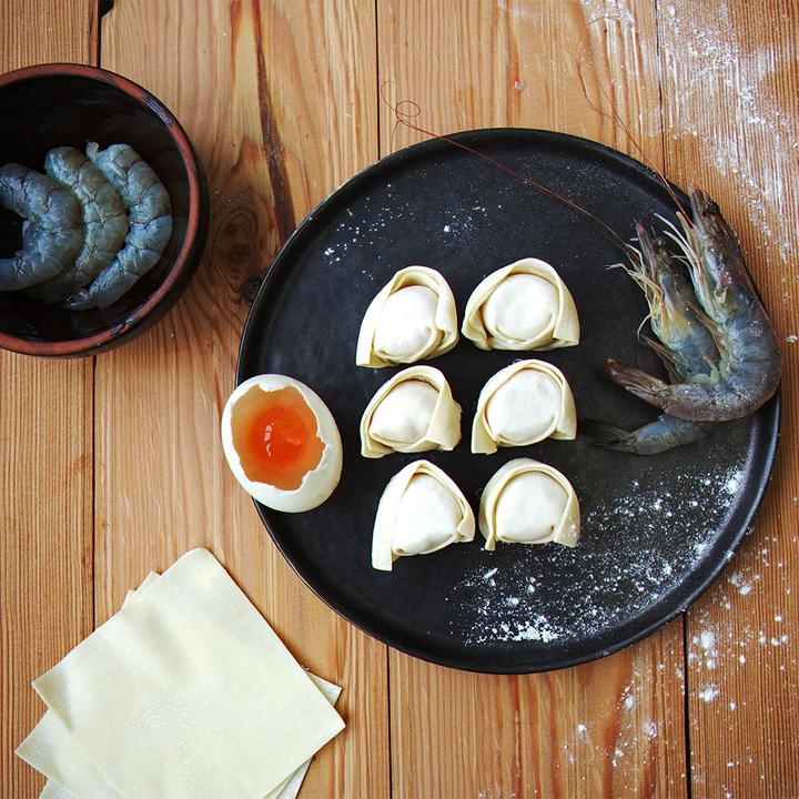飤心暖食 | 蛋黄鲜虾手工馄饨 健康半成品料理包 顺丰