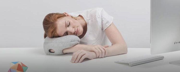 办公室午睡一族,一个趴趴枕就够了!