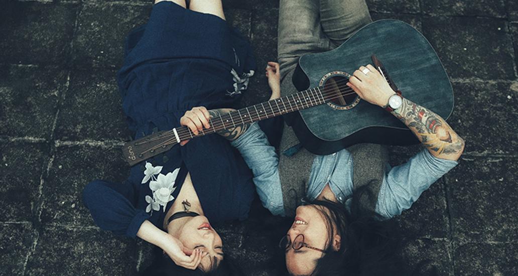 民谣吉他·一首时光赋予的温情诗