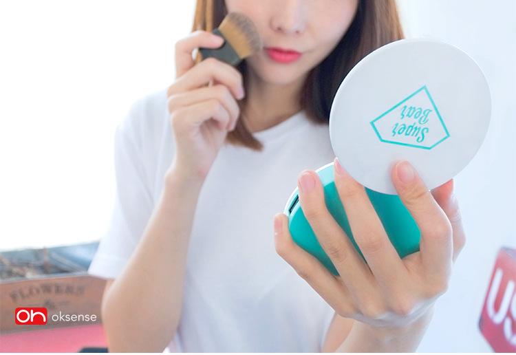 oksense魔镜移动电源5000毫安LED灯化妆镜充电宝女性迷你便携创意