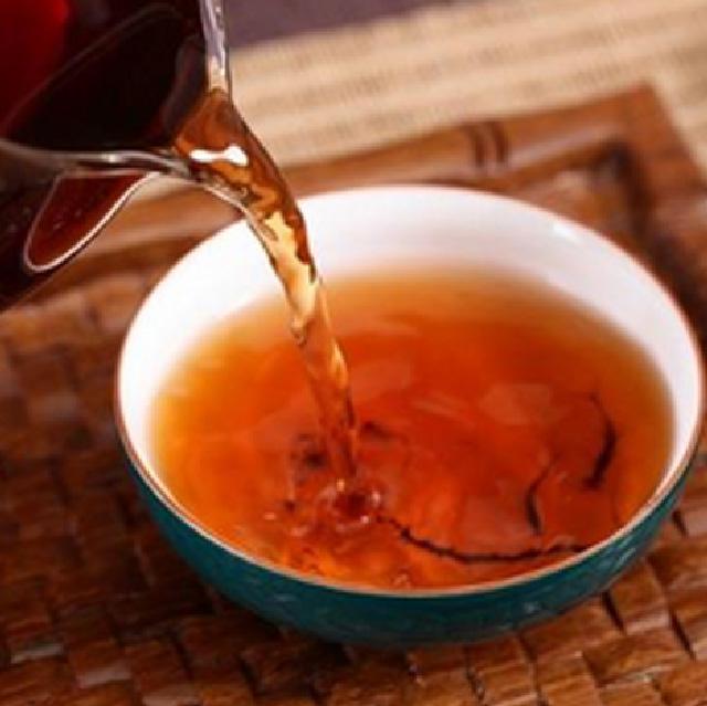 叶小七十年陈普洱熟茶礼盒