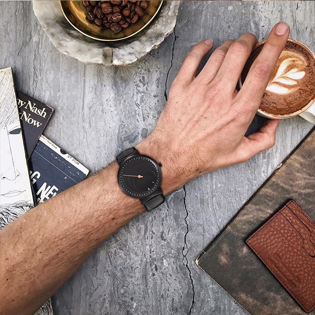虫洞手表礼盒装—虫洞概念单针创意腕表