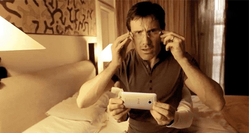 懒癌晚期玩手机的正确姿势…