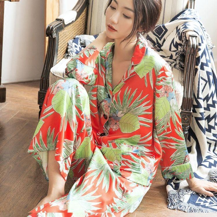 赏心悦目的印花,你需要一件,美得能穿出门的复古印花睡衣