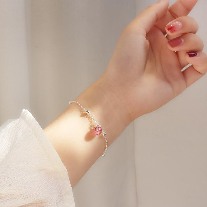 小麋人 少女感草莓月光圆珠水晶 S925纯银手链