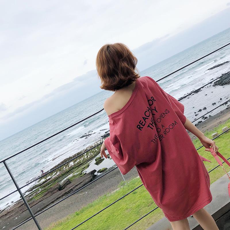 于momo2018夏装新款宽松t恤裙港味小个子红色漏锁骨短袖连衣裙子