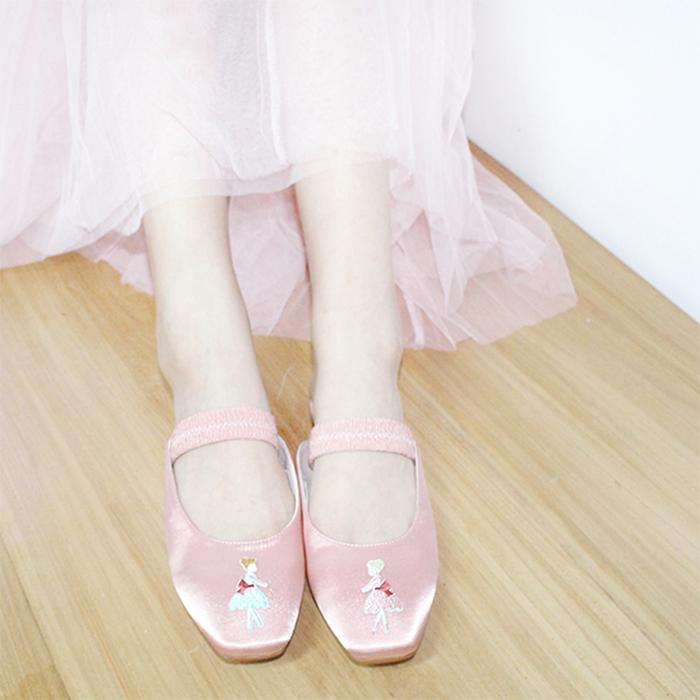 CHICMILD起妙贩卖/独家定制设计缎面平底鞋拖鞋芭蕾女孩刺绣复古