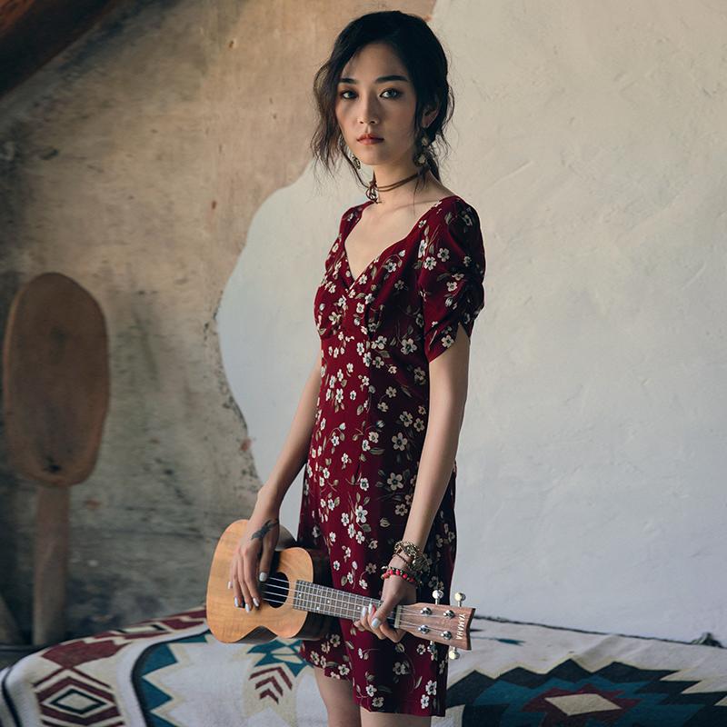 弥古法式茶歇裙2018红色连衣裙sukol裙少女v领短裙复古小红裙