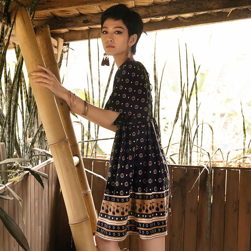 弥古旗舰店连衣裙女夏民族风裙子茶歇裙波西米亚沙滩裙黑色短裙