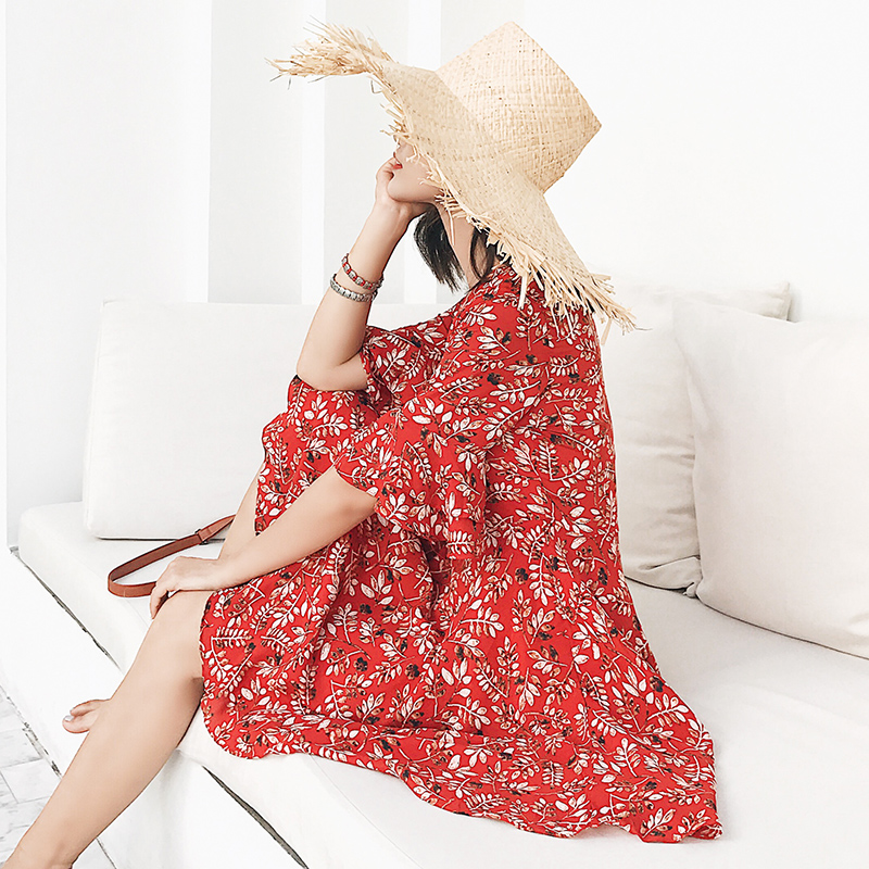 度假小姐红色碎花连衣裙中袖沙滩裙女夏2018新款茶歇裙巴厘岛短裙
