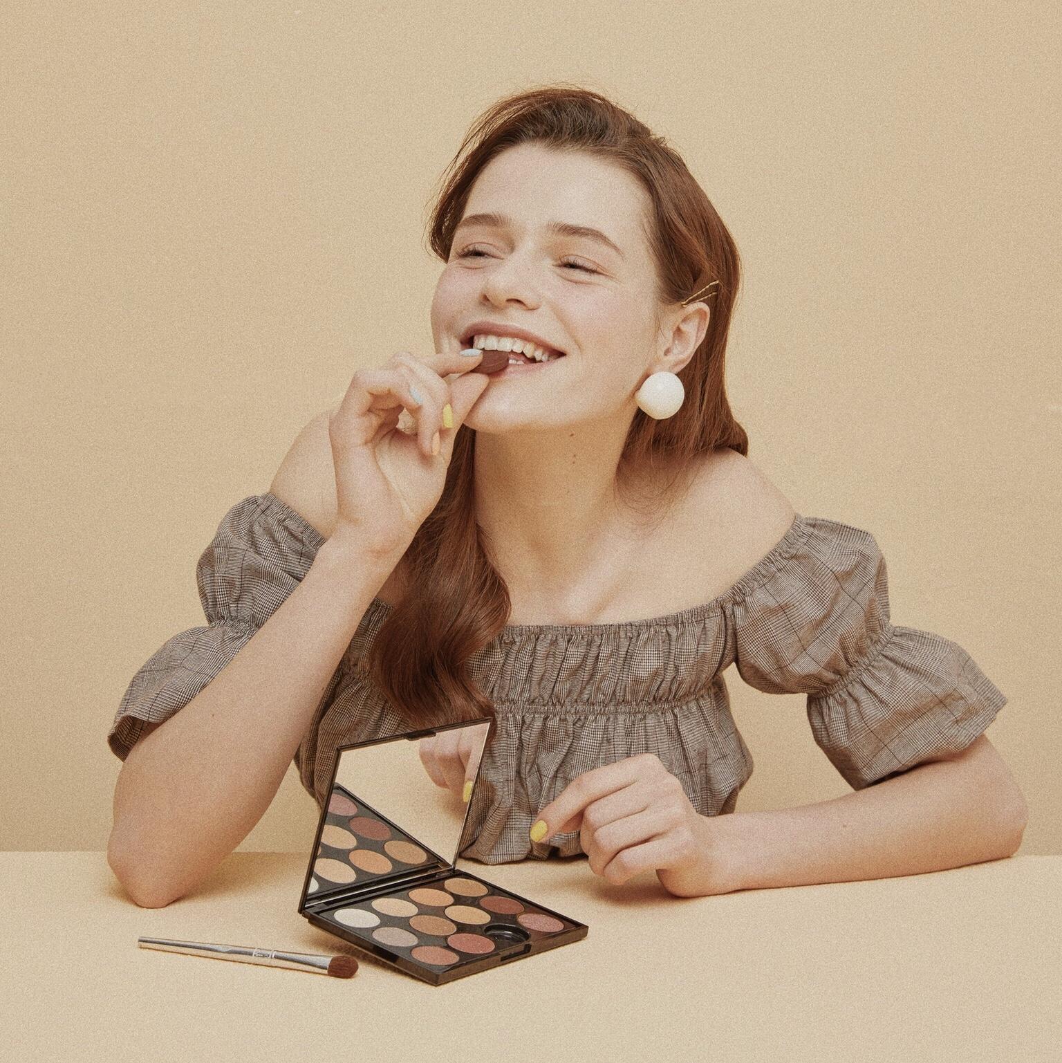 komistudio眼影盘手工创意巧克力伴手礼送女友生日情人节礼物零食