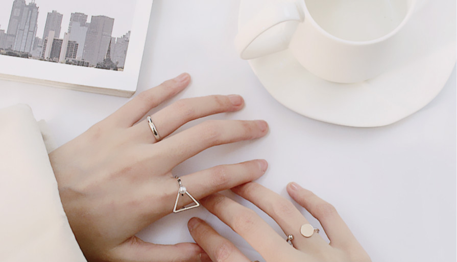 极简细戒丨指尖上的极致优雅