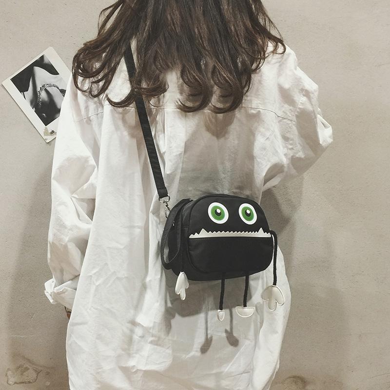 小怪物斜挎小包