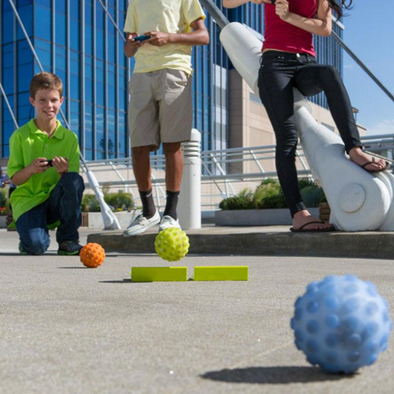 宠物小精灵一样的神奇小球:Sphero遥控球Mini智能球