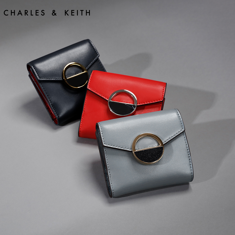 CHARLES&KEITH 半宝石装饰翻盖式钱包