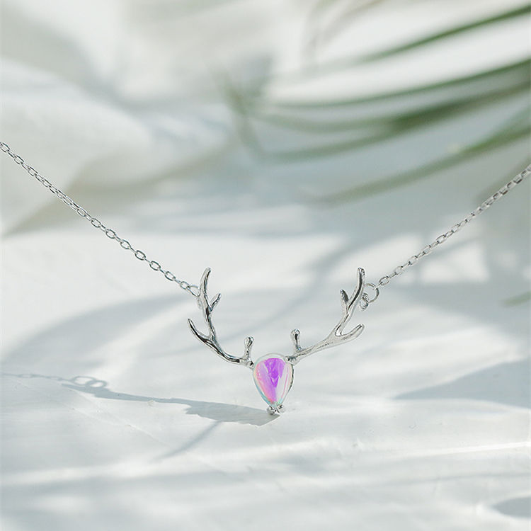 限时送耳钉送戒指,相信我,你戴首饰的样子特别美