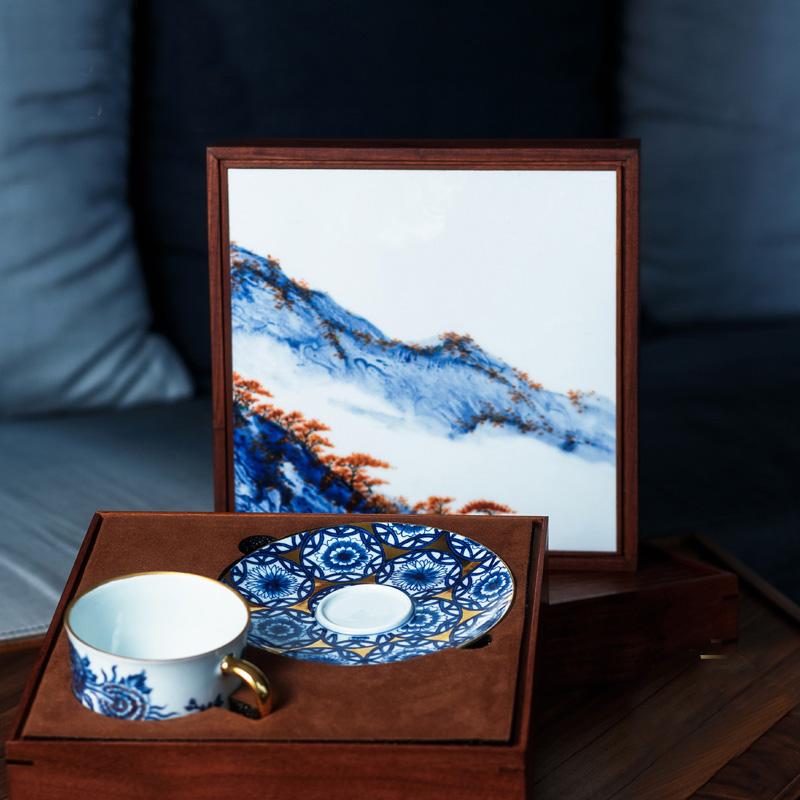 朕的心意 故宫食品 实木红檀香茶器 中秋奶黄月饼礼盒