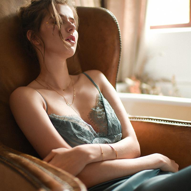MRS SONG 丝滑诱惑吊带睡裙