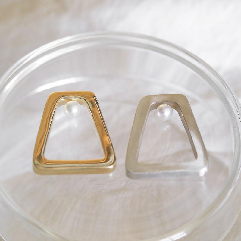 WHITE DWARF 梯形淡水珍珠戒指