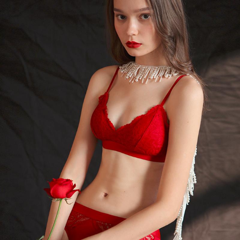 舒适透气薄款女士红色内衣套装