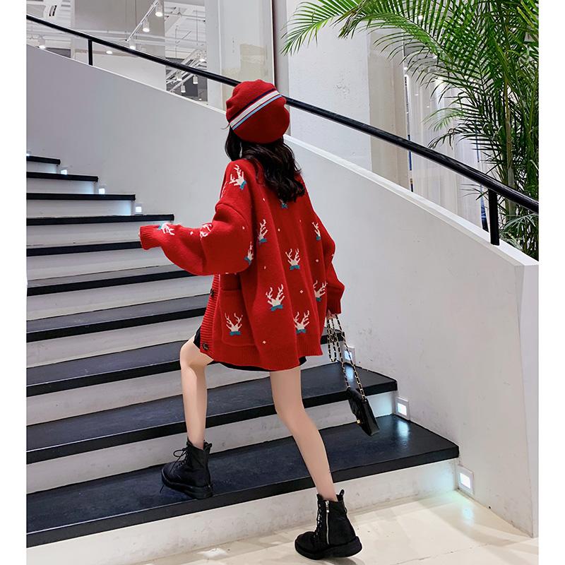 红色毛衣开衫