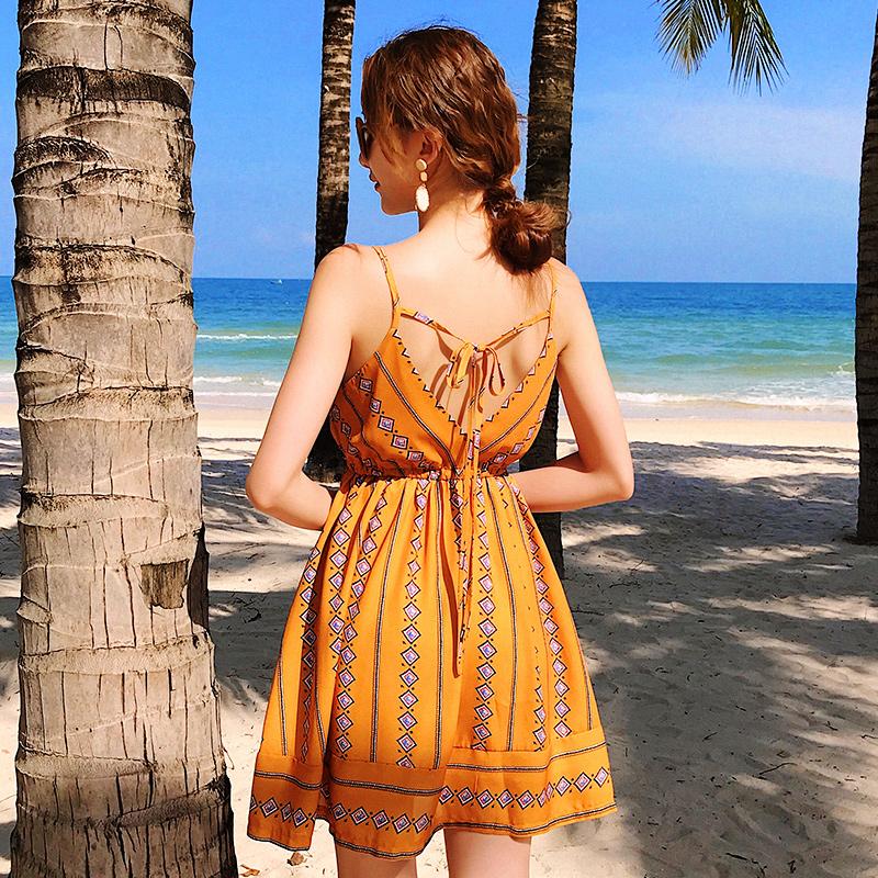 海边度假连衣裙