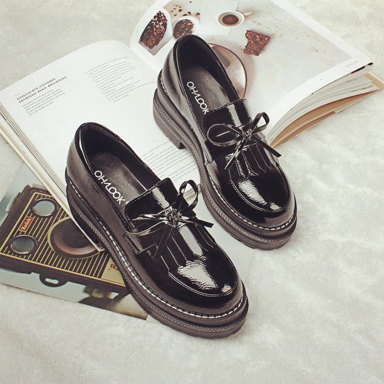 ,高跟鞋太累脚?时尚松糕鞋,小个子女生的增高利器