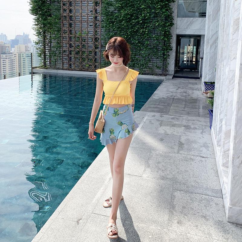 分体日系少女可爱小胸黄色游泳
