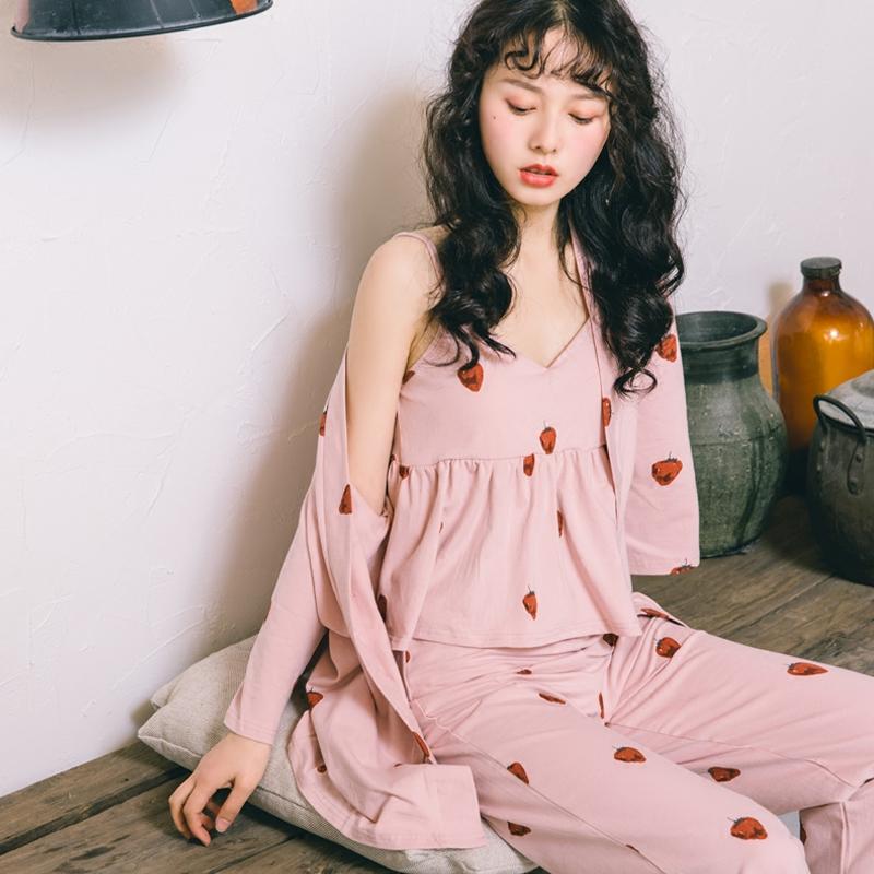 人气款草莓三件套睡衣