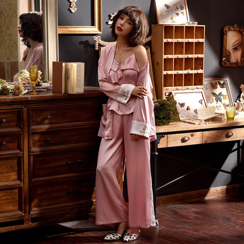 甜美粉色夏季薄款仿真丝小性感睡衣
