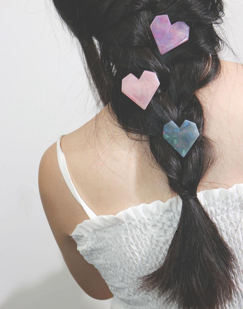 细腻幻闪爱心发夹