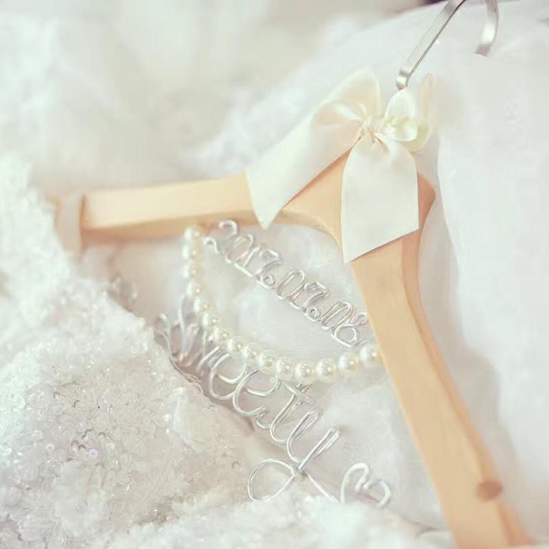新婚婚纱定制衣架