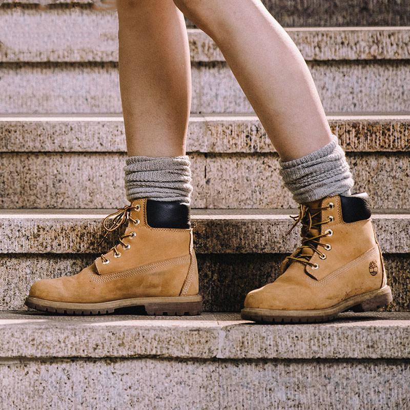 Timberland女款大黄靴